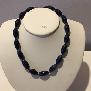 Jewelry - Vintage hand knotted lapis lazuli bead necklace